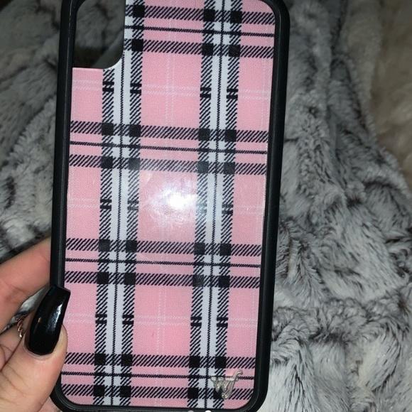 Wildflower Accessories Pink Plaid Iphone Xr Case Poshmark